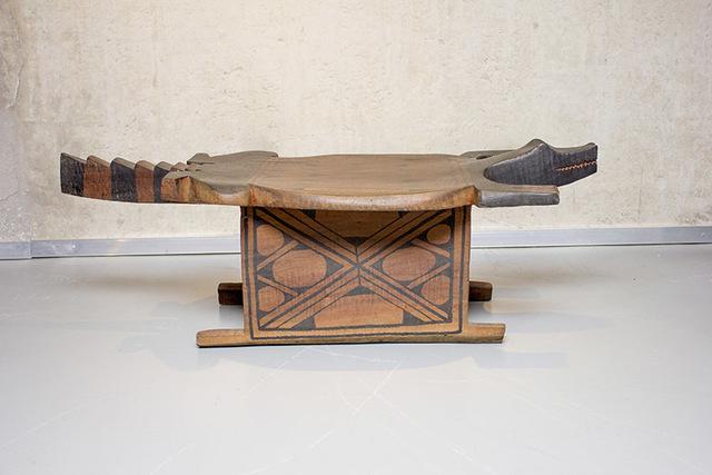 , 'Bench Alligator,' , Espaço 670