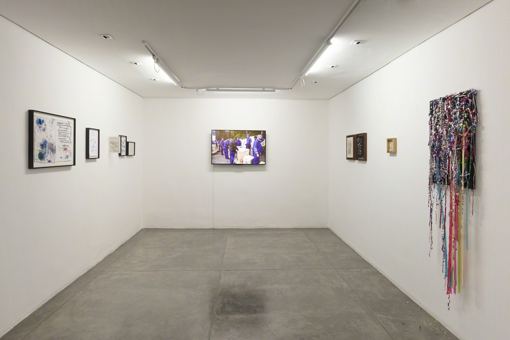 Paulo Bruscky - Galeria Nara Roesler | SP - exhibition view - photo Everton Ballardin © the artist and Galeria Nara Roesler
