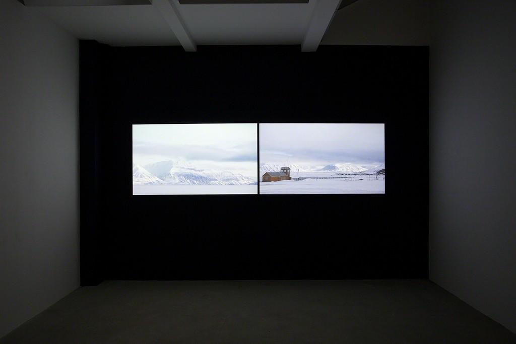 Ali Kazma, NORTH, 2017, HD video 2- channel, synchronised with sound, 5:10 min., installation view photo Wytske van Keulen