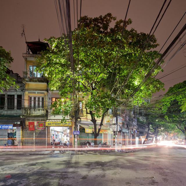 , 'Hanoi 18h/6h 46    ,' 2012, Art Vietnam Gallery