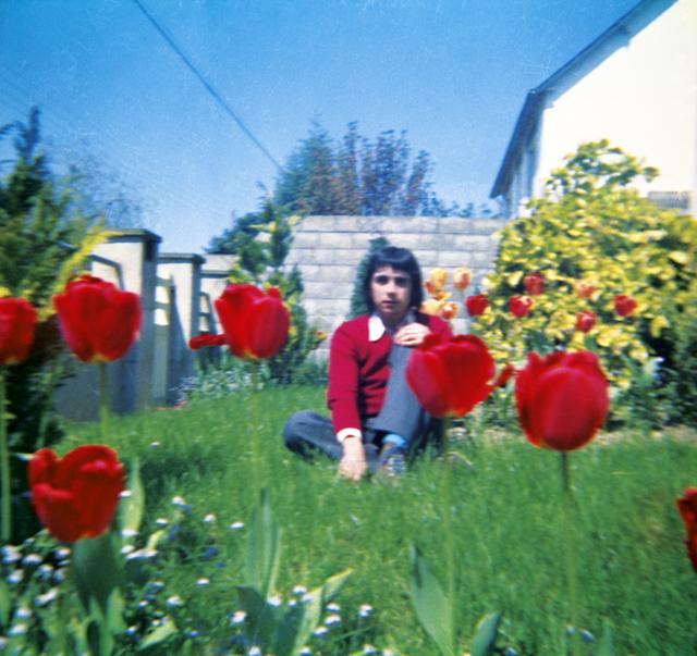 , 'Unglee à 17 ans dans le jardin de ses parents,' ? -nov. 2014, Galerie Christophe Gaillard