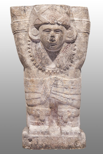 , 'Atlante de Chichén Itzá avec des cordes entrecroisées sur la poitrine (Atlante of Chichén Itzá with ropes crossed over chest),' 900 -1250 AD, Musée du quai Branly