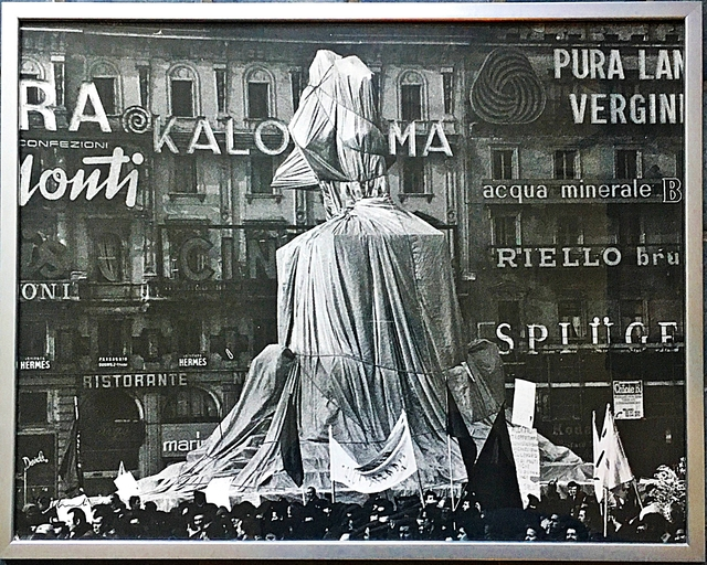 , 'Wrapped Monument to Vittorio Emanuele II, Project for Piazza del Duomo, Milan, Italy, from the Estate and Collection of Jacob and Aviva Bal Teshuva (Schellmann, 82) ,' 1975, Alpha 137 Gallery