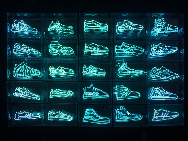 , 'Sneaker Neon,' 2018, Choque Cultural