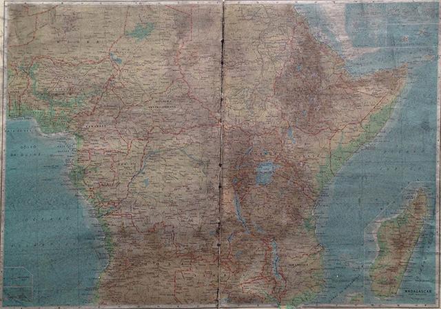 , 'África Central e Oriente, da série O sol nasce para todos,' 2015, Galeria Jaqueline Martins
