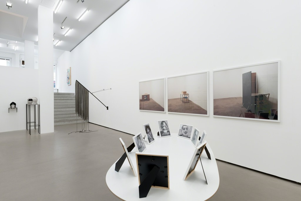 Revolte, Exhibition view, Galerie EIGEN + ART Berlin, Photo: Uwe Walter, Berlin
