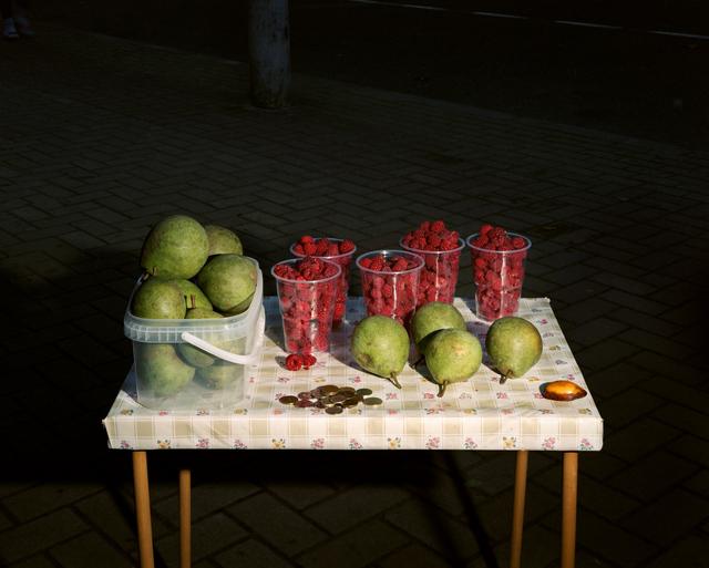 Lia Darjes, 'Stillleben mit Himbeeren und Birnen, Kaliningrad', 2016, Robert Morat