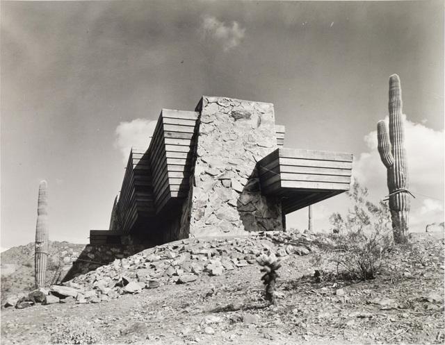 Pedro E. Guerrero, 'The Pauson House, Ship of the Desert, Exterior Side View, Scottsdale, AZ', 1941, Photography, Silver Gelatin Print, Edward Cella Art and Architecture