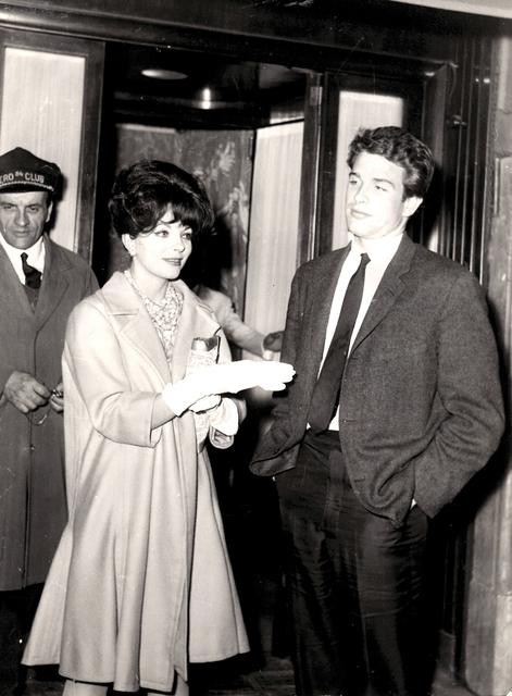 Marcello Geppetti, 'Warren Beatty and Joan Collins at via Veneto', 1961, Photography, 90s print, gelatin silver print, Bertolami Fine Arts