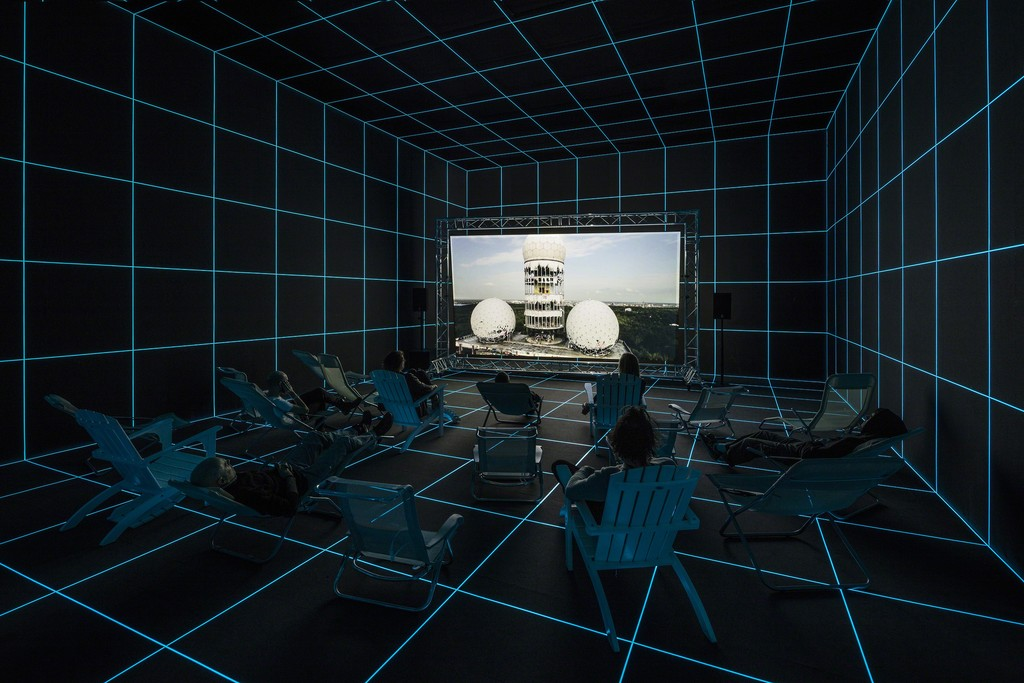 Hito Steyerl, Factory of the Sun, 2015. Installation view from Kunsthal Charlottenborg, 2016. Courtesy of the Artist and Andrew Kreps Gallery, New York. Photography by Anders Sune Berg.