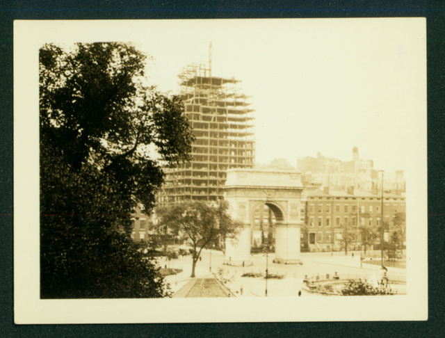 , 'View of Washington Square Arch with high rise under construction in background,' ca. 1927, Delaware Art Museum