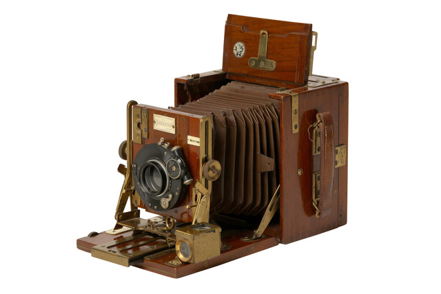 'A Sanderson Tropical 5 X 4 Teak And Brass Camera', Chiswick Auctions