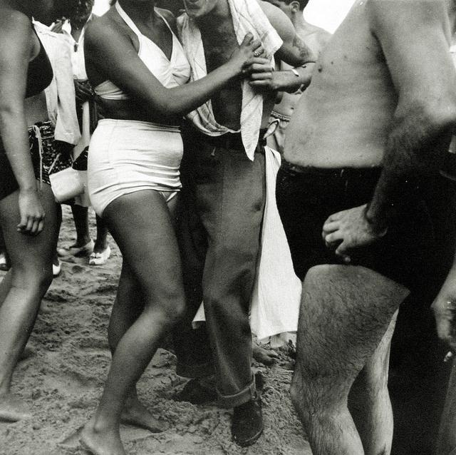 , 'Coney Island,' ca. 1946-1948, Howard Greenberg Gallery