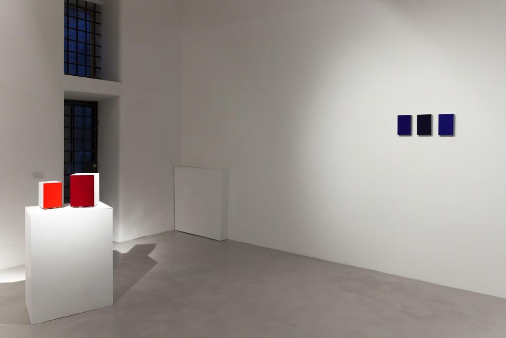 "Alfonso Fratteggiani Bianchi, ""UPainting"", 2016, pigment on pietra serena, 27.5x19.4x19.4cm; 21x14x14cm e ""Untitled"", 2016, pigment on pietra serena, 21x14x3cm each"