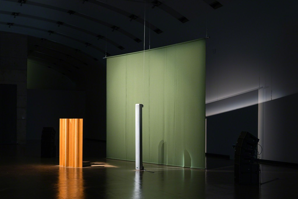 Installation view: Florian Hecker. Hallucination, Perspective, Synthesis, Kunsthalle Wien 2017: Resynthese FAVN, 2017, Courtesy the artist, Photo: Jorit Aust