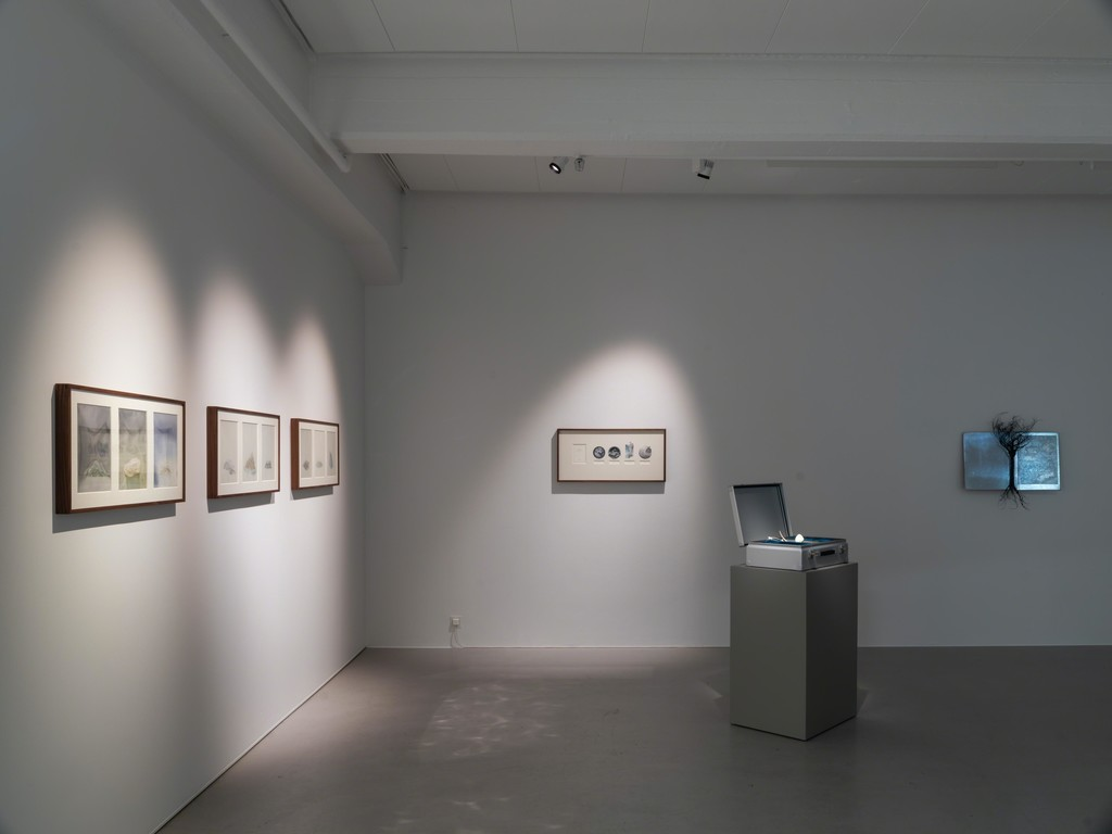 Johannes Heldén, Worlds, 2019, installation view. Photo: Jean-Baptiste Béranger