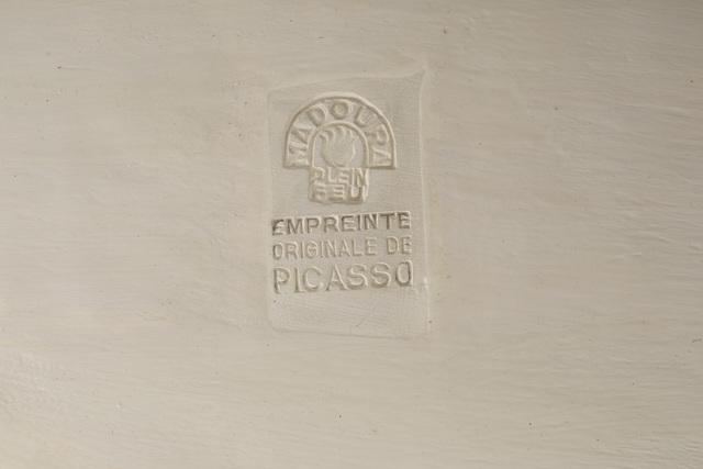 Pablo Picasso, 'Tête de chèvre de profil', 1952, Design/Decorative Art, White earthenware ceramic plate with colored engobe and glaze, John Moran Auctioneers