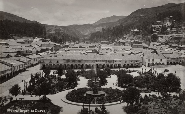 Martín Chambi, 'Plaza Major de Cuzco, Perù', anni 1920, Finarte