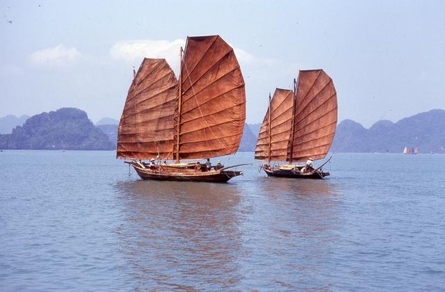 , 'La baie d'Halong (Halong Bay),' 1970-1990, Musée national des arts asiatiques - Guimet