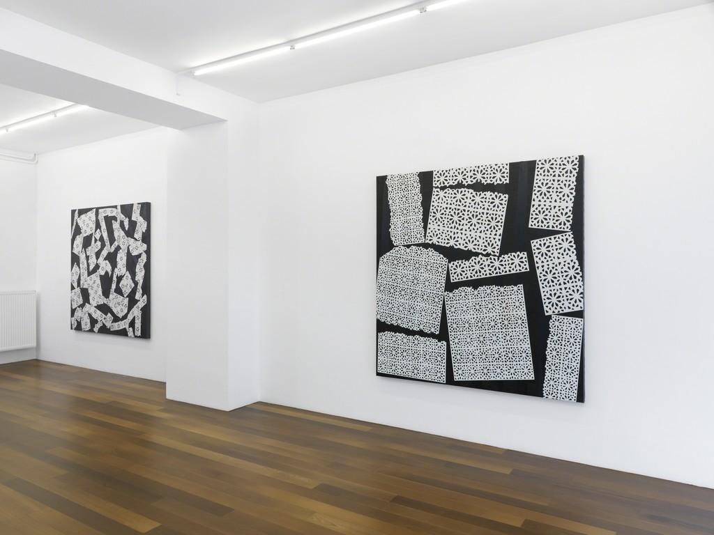 Exhibition view, Yves Zurstrassen, Galerie Xippas, Geneva, Switzerland, 2017. ©Annik Wetter