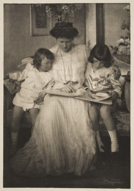 ", 'Princess Rupprecht and her Children, published in ""Camera Work"" (April 1910),' published 1910, Davis Museum"
