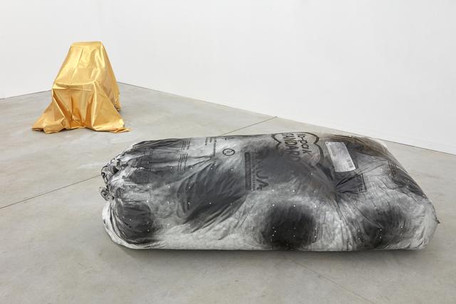 , '19101 (stand),' 2019, Kristof De Clercq