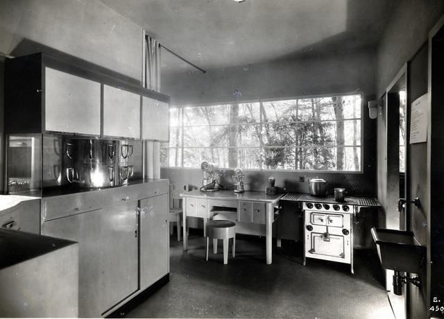 Gruppo 7, 'Casa Elettrica, cucina, IV Triennale di Milano', 1930, Triennale Design Museum