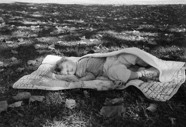 , 'Elisabethton, TN (baby on blanket),' 2001, Yancey Richardson Gallery