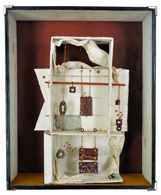 , 'Blanca con colgantes,' , Galería de las Misiones