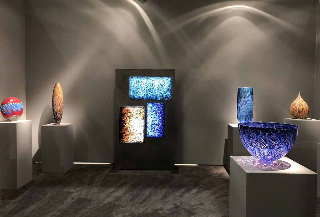 View of the newest creation.... an illuminated presentation of three stellar Florencia panels designed and created specifically for SOFA Chicago by Maestro Lino Tagliapietra.