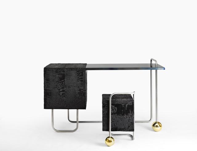 """, '""""Fur Play"""" desk,' 2015, Galerie Gosserez"""
