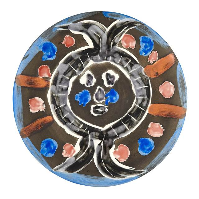 Pablo Picasso, 'VISAGE NO. 30 (A.R. 464)', 1963, Design/Decorative Art, Painted and partially glazed ceramic plate, Doyle