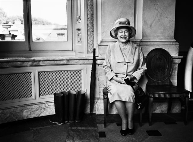 , 'Her Majesty the Queen, Buckingham Palace 2008,' 2008, WILLAS Contemporary