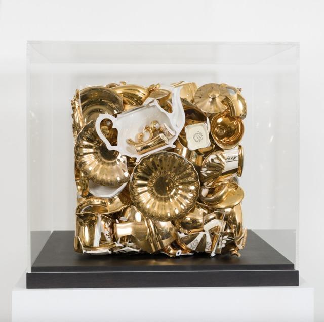 Sandra Shashou, 'I have A Little Crush', 2018, Sculpture, Service en porcelaine dorée assemblé en cube sous plexi, Bel-Air Fine Art