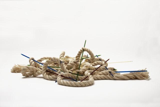 """, '""""Mudança de jogo com corda de sisal"""",' 2014, Lemos de Sá Galeria"""