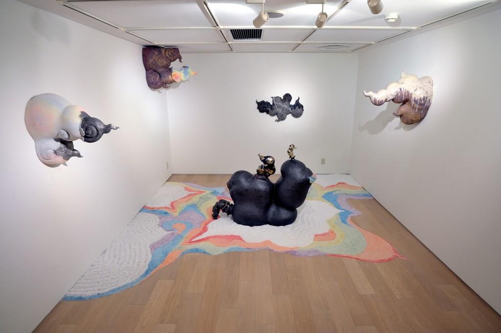 """Yumiko Shinozaki """"Yumiko Shinozaki - I am hungry"""" INAX Galeria Ceramica, Tokyo, 2012"""
