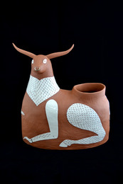Vessel in the form of a cow