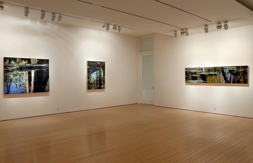 adrian deckbar gallery view
