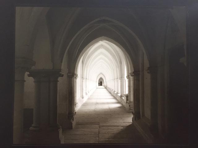, 'la Chartreuse de Neuville-sous-Montreuil, le grand cloître 28 XI 2003,' 2003, Boogie Woogie Photography