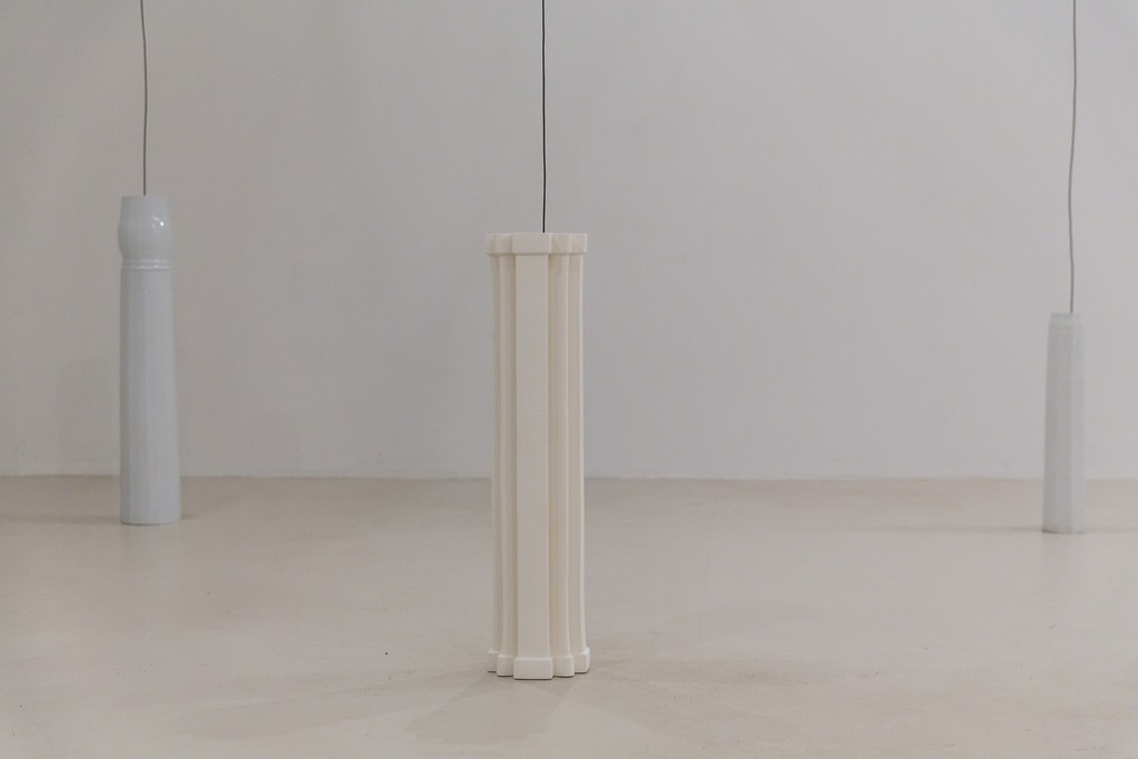 Ursula Nistrup, Resonating Pillars (installation photo). Photo: Lior Zilberstein.