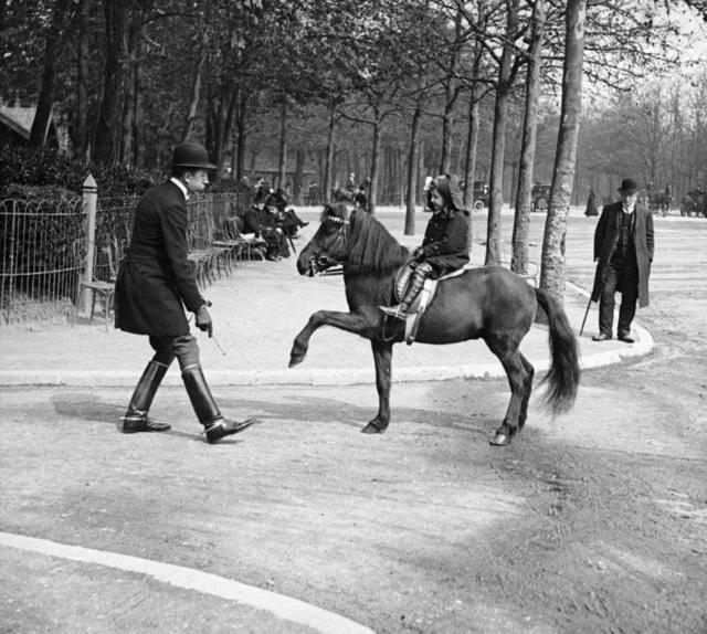 , 'Devant le pavillon Dauphine,Paris,' 1912, °CLAIR Galerie