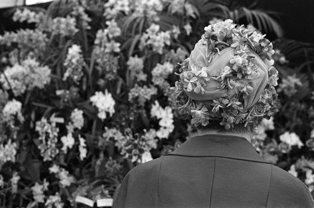 , 'Woman wearing floral fashion hat, Chelsea Flower Show, London,' 1968, Les Douches La Galerie
