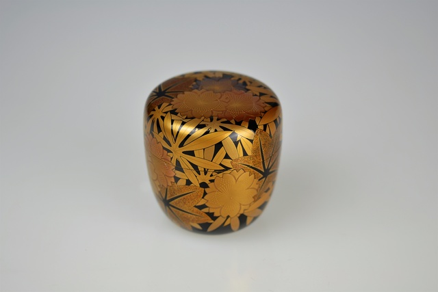 , 'Gold Lacquer Tea Caddy with Camellia Blossoms and Autumn Leaves,' 1980-1989, Galerie Kommoss