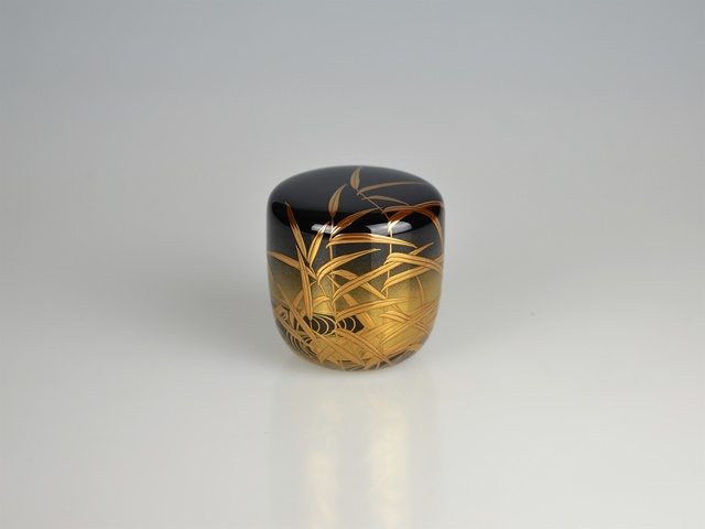 , 'Gold Lacquer Tea Caddy with River Scene,' Shōwa period, Galerie Kommoss