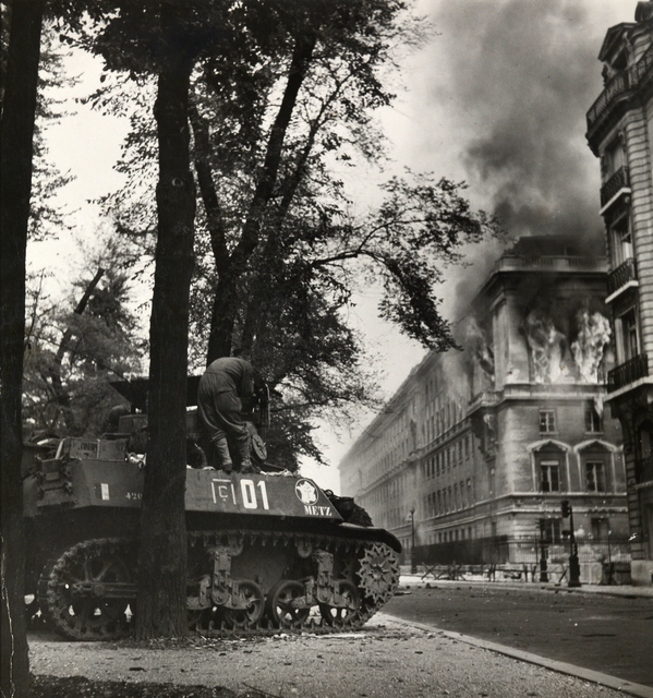 , 'Allied troops in Paris attaching Germans entrenched in public buildings, 11 September, 1944,' 1944, Huxley-Parlour