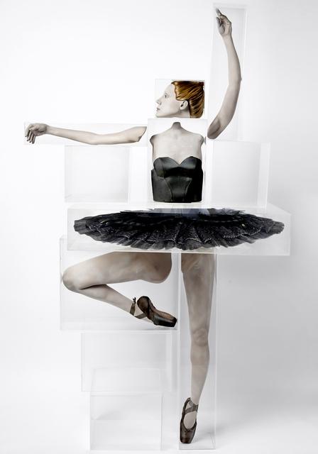 , 'Bailarina IV (em produção),' 2014, Zipper Galeria