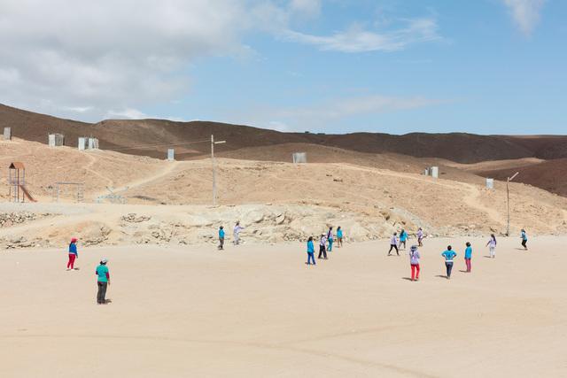 Lisa Barnard, 'Pallaqueras playing football, Santa Filomena, Andes, Peru', 2016, Flowers