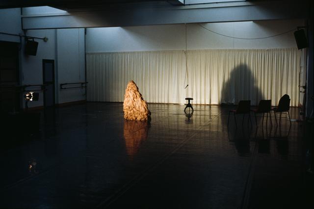 , 'As Sombras de 1/2 Figura, Os dias de Tavira,' 2002, Quadrado Azul