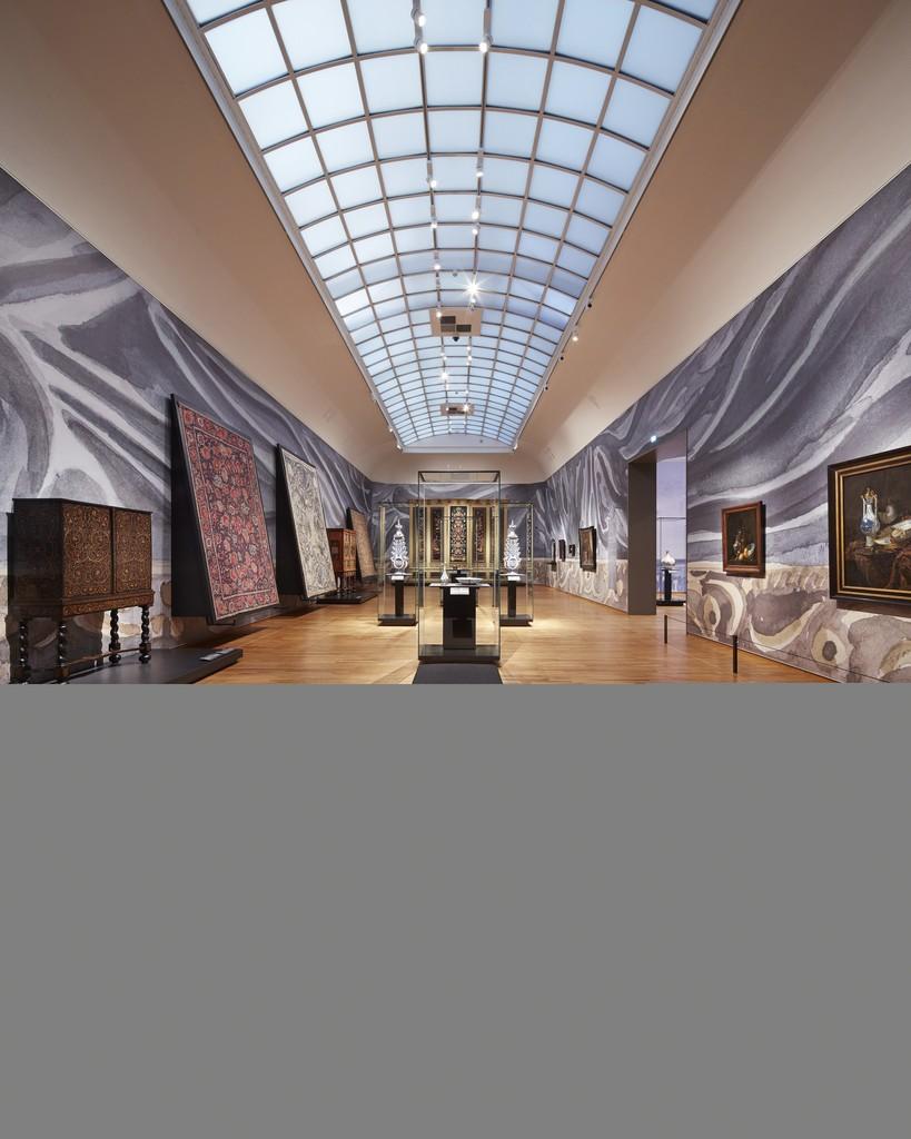 "Installation view, ""Asia > Amsterdam,"" Gallery 2. Rijksmuseum, Amsterdam (2015) Photo: Erik Smits"