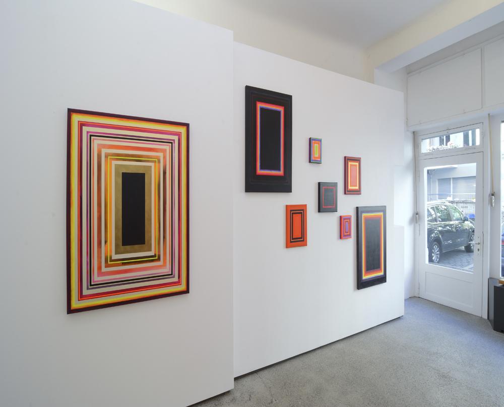 View of the exhibition at Straßen-Salon; photo Jürgen Baumann